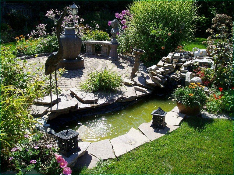 12 Small Backyard Landscaping Ideas On A Budget - Page 13 ...
