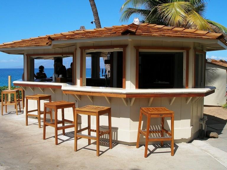 25+ BEAUTIFUL OUTDOOR BAR SETUP FOR FRIENDS GATHERING ... on Backyard Bar id=23797